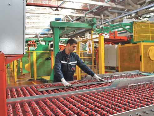 На заводе КГШ в завершающей стадии реализации находится важный проект для всего Общества – создание производства ЦМК шин радиальной конструкции с посадочным диаметром 25-29 дюймов.